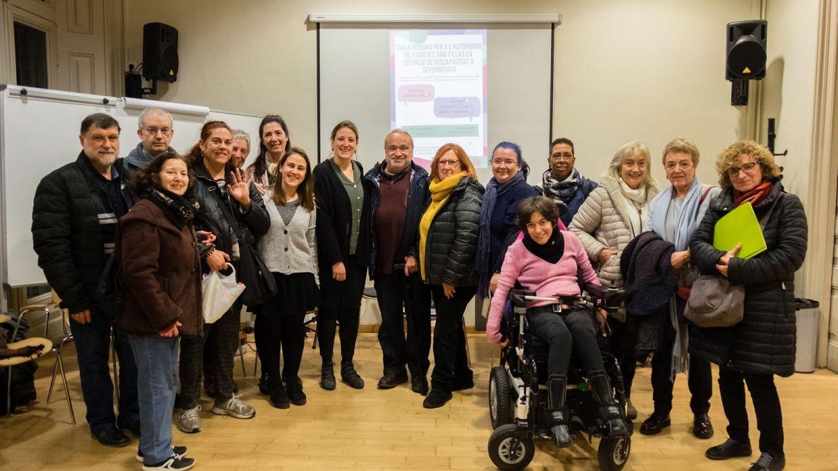 Resum de la Taula rodona sobre autonomia per a famílies amb fillxs en situació de discapacitat o dependència